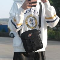 潮牌小挂包男单肩斜挎小包休闲港风小挂包运动小跨包手机包
