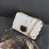 石头纹小包包上新2018新款单肩手提包漆皮亮面链条小方包斜跨女包