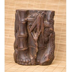 S69清《沉香松竹梅笔筒》(纯手工雕刻、雕工巧妙、栩栩如生、包浆丰厚)
