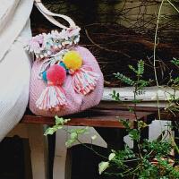 波普先生小包包女斜挎包水桶包粉色毛球流苏萌甜美少女可爱单肩包