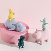北欧现代简约可爱动物摆件家居饰品陶瓷电视柜玄关创意结婚礼物