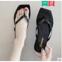 韩版ins人字拖女新款平底外穿时尚夹脚趾凉拖鞋海边沙滩鞋