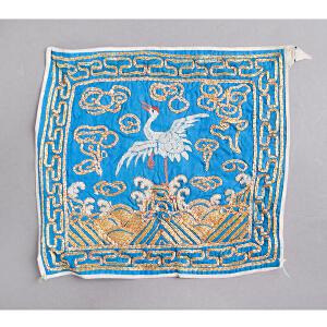 C70《旧藏文官补子》(此件拍品为清朝一品文官员补子。补子乃是朝服胸前后背的刺绣织物,为明清官服饰制度的一个重要特征。)