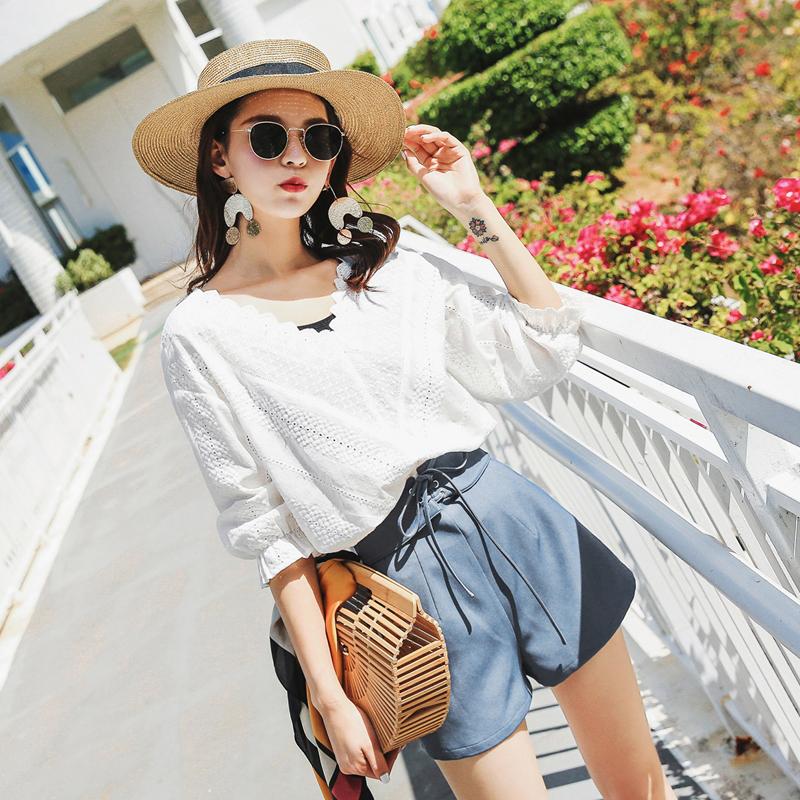 七格格复古温柔风上衣女新款夏装遮肚子镂空白色蕾丝打底衫小衫