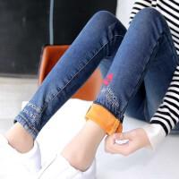 秋冬季女修身显瘦嘴唇加绒加厚牛仔裤女士铅笔小脚裤