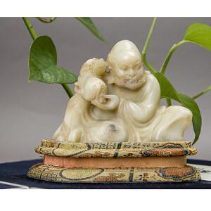 S63清《寿山石白芙蓉皮休罗汉》(纯手工雕刻、雕工巧妙、栩栩如生、包浆丰厚)