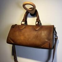 复古波士顿包手工擦色做旧包包女枕头包手提包牛皮大包大容量 卖完了
