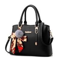 女士包包新款斜挎冬季时尚中年女包妈妈单肩手提包简约潮韩版 黑色-送VT钱包