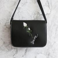 茉蒂菲莉 斜挎包女 欧美软面玫瑰绣花单肩斜挎磁扣小方包