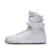 Nike 耐克 AO9385 男子高帮运动鞋 休闲运动板鞋 NIKE SF AF1 LNY QS