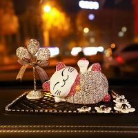 创意车载摆件女神款镶钻太阳能摇摆公仔可爱招财猫车上车内装饰品