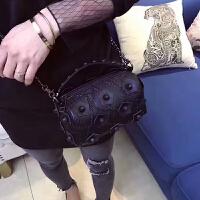 波士顿水桶包新款斜挎包羊皮女包花朵包链条包包单肩包手提包 黑色 小号