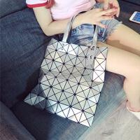 日本镭射包2018新款女包几何菱格手提包单肩包时尚折叠女士包包潮 6*7银色 高端版有拉链