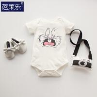 婴儿连体衣服女宝宝新生儿睡衣3纯棉三角哈衣5潮款外出服3包屁衣