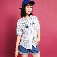 七格格 蓝白条纹衬衫女士夏季新款趣味刺绣衬衣短袖方领宽松上衣薄