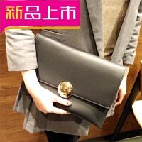 手包女2018新款时尚大容量欧美风简约翻盖圆扣手拿包单肩斜挎小包