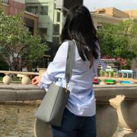 2018新款韩版sangle宽肩带水桶包真皮女包中号简约单肩斜挎宽带包