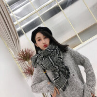韩版女士围巾时尚保暖出游街拍新款彩色简约细碎流苏围巾