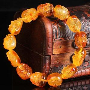 蜜蜡满蜡红皮俏色精雕十八罗汉手串  直径14mm