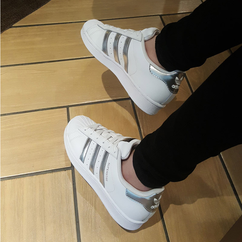 Adidas / 阿迪达斯 AQ3091 男女板鞋 进口正品 韩国直邮*赔十