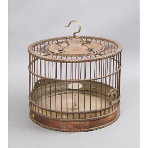 X25 清《百灵鸟鸟笼》(保存完整,花门手工镂空雕刻,做工精细,铜制笼勾包浆丰润,使用痕迹明显,开门老,实为不可多得)