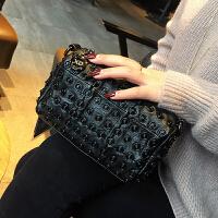 真皮女包韩版2018新款女式单肩包铆钉小包羊皮拼接链条包女斜挎包 黑色