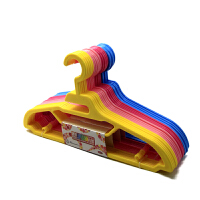 康丰Y9007时尚简约晒衣架5个装多功能新款创意糖果色带钩防滑晾衣架围巾丝巾挂架