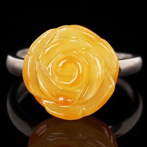 蜜蜡玫瑰花戒指 重量2.65g