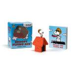 Peanuts: Snoopy the Flying Ace史努比系列:史努比和红谷仓(书+玩具)ISBN978076
