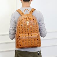 新款小清新铆钉双肩包女韩版时尚百搭学院风旅行书包背包包潮