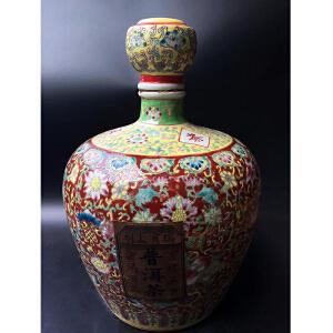花卉纹瓷器罐,普洱茶