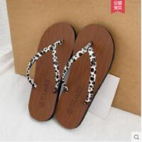 时尚拖鞋女外穿新款网红百搭时尚沙滩平底防滑ins可湿水人字拖