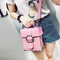 时尚女包单肩包条纹铆钉花朵金属扣单肩包女士包包随身包通勤包包 粉红色