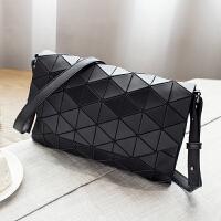 201新款包包斜挎包小包包女手包手拿包信封包女包折叠菱格几何包 黑色 亚光