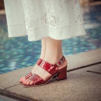 彼艾2016春夏新品凉鞋韩版中跟一字扣带流苏黑色高跟鞋粗跟性感露趾女凉鞋