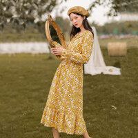 茵曼碎花连衣裙秋装新款娃娃领喇叭袖可盐可甜长袖A字中长裙【1803290】
