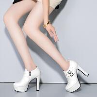 彼艾2017秋冬新款欧美细跟短靴尖头高跟靴皮带扣防水台女靴裸靴短靴子