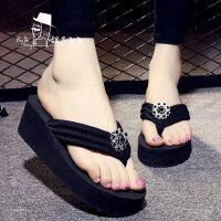 带钻坡跟拖鞋韩版沙滩鞋时尚人字拖女防滑厚底凉拖