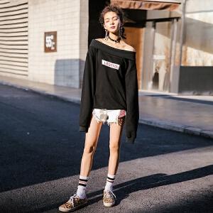 七格格一字肩字母卫衣女2018春季新款韩版百搭原宿风学生宽松套头长袖潮