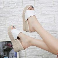 户外厚底防滑坡跟凉拖鞋女鞋时尚外穿一字拖松糕鞋