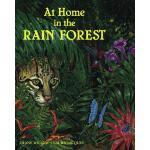 【预订】At Home in the Rain Forest