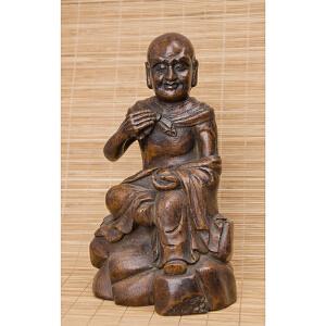 C66《旧藏竹雕罗汉》(纯手工雕刻、雕工巧妙、栩栩如生、包浆丰厚)