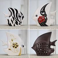 吉祥鱼现代家居饰品客厅简约装饰摆件创意陶瓷工艺情侣对吻鱼透雕
