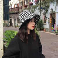 日本小众设计师款复古黑白色系千鸟格纹渔夫帽大檐帽子女秋冬时尚百搭