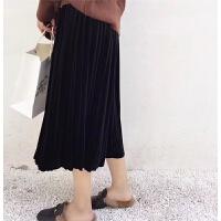 即使水桶腰 也能很美美啊 今冬大热的丝绒半身裙 大衣搭配好帮手