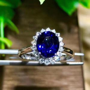 斯里兰卡蓝宝石戒指皇家蓝高净度