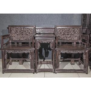 C1169清《檀木玫瑰椅三件套》(此套檀木椅样式古朴,包浆丰润,保存完整,纯手工雕刻,雕工细致精美,团吉祥美好,收藏使用两相宜。)