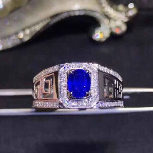天然斯里兰卡蓝宝石戒指..