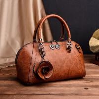 手提包女包新款欧美风贝壳包复古时尚港风铆钉大包花朵包单肩包潮