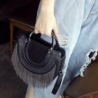 手提包女韩版新款小圆包女斜挎韩版个性时尚流苏包单肩包百搭 黑色
